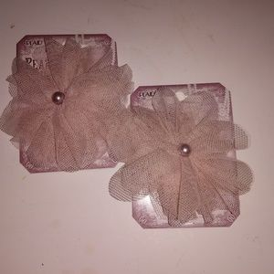 Set of tulle flowers